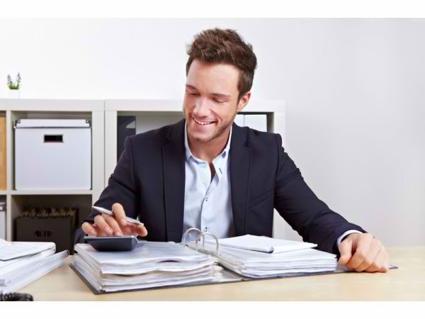 Features of Payroll Outsource Solutions That Can Cater to SMBs